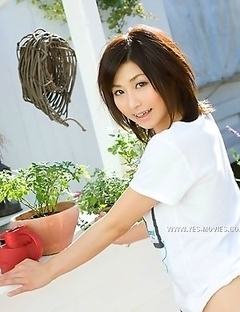 You are going to feel the strong wish to meet this babe Akari Asahina