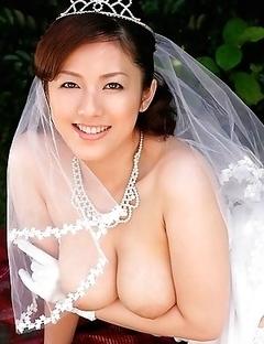 Massive all-natural melons of a beautiful Meisa Hanai