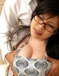 Erena Tokiwa enjoys in big dicks