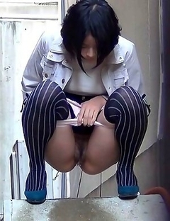 Japanese Piss Fetish Porn - Girls Pissing